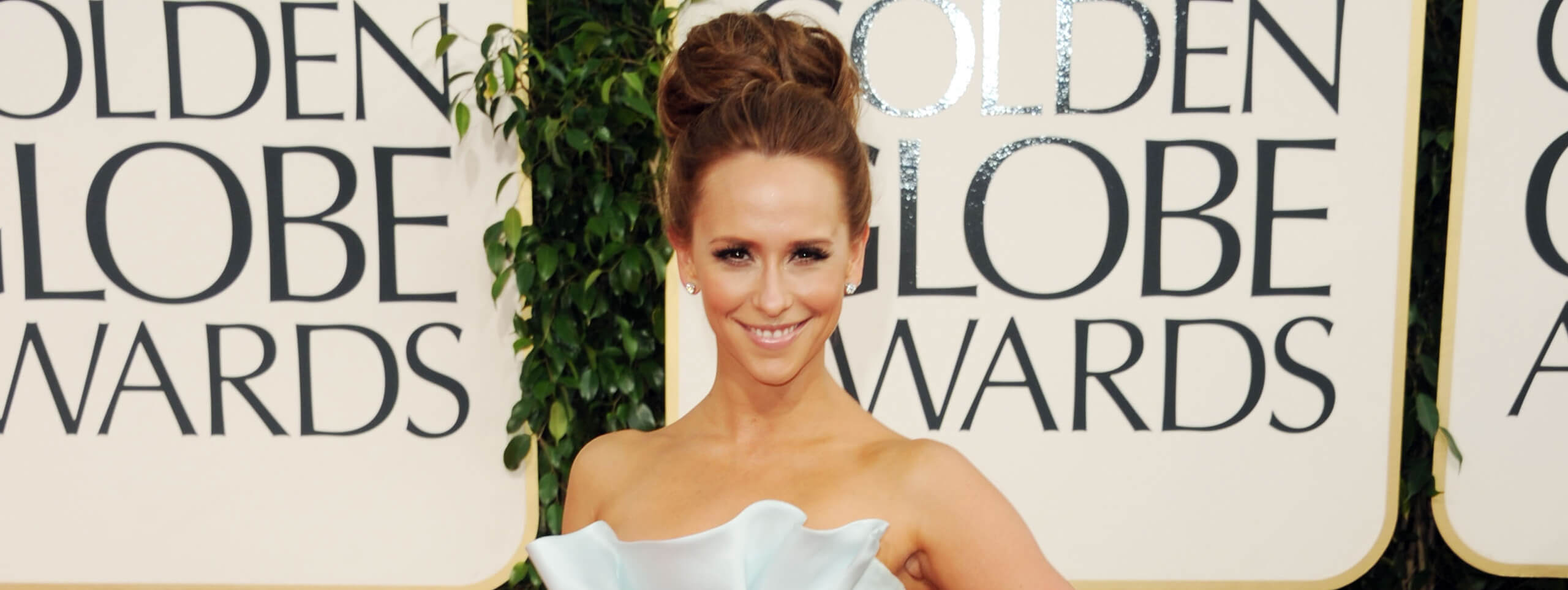 Jennifer Love Hewitt with classic chignon hairstyle