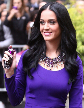 Katy Perry wears black hair