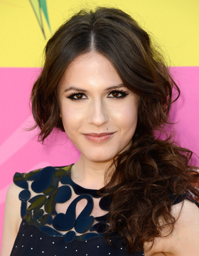 Hairstyle with Parting: Erin Sanders