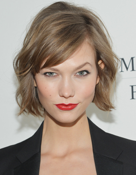 Hairstyle with Parting: Karlie Kloss